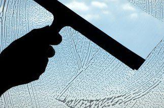 Laveur de vitres spécialisé «travaux en hauteur»